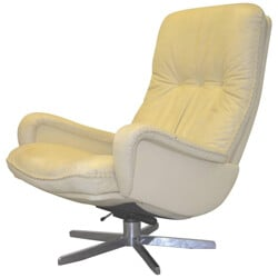 "De Sede ""S 231"" armchair in white leather - 1960s"