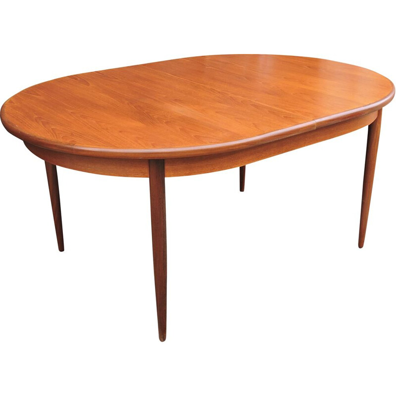 Vintage Oval Extendable Teak Dining Table by Victor Wilkins for G-Plan 1960s