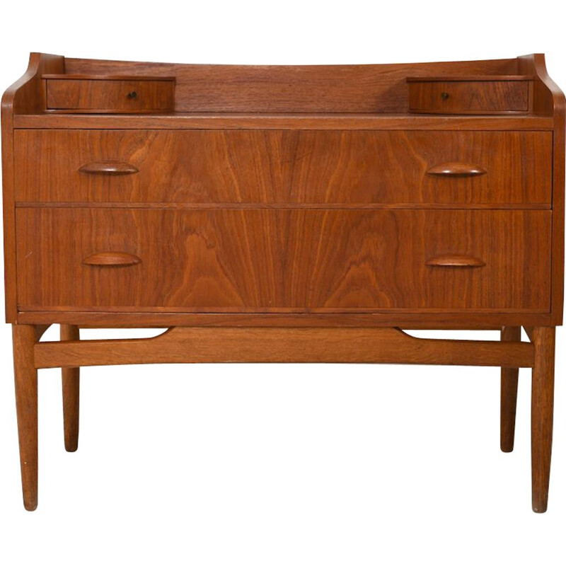 Mid Century danish Dresser  Drawer Chest in Teak