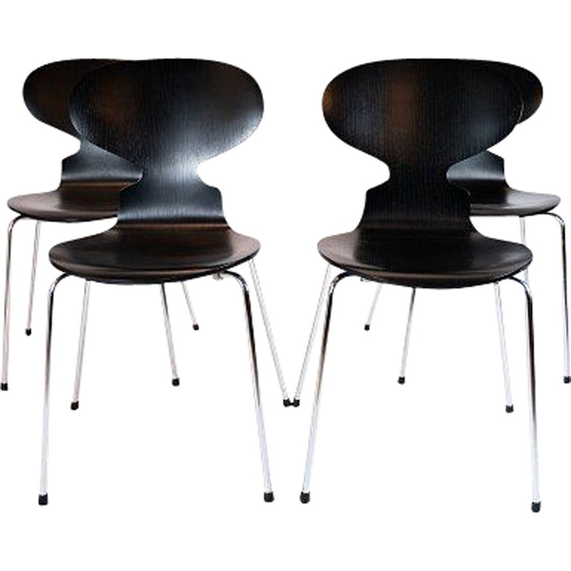 Set of 4 vintage black Ant chairs, model 3101 by Arne Jacobsen by Fritz Hansen 2006