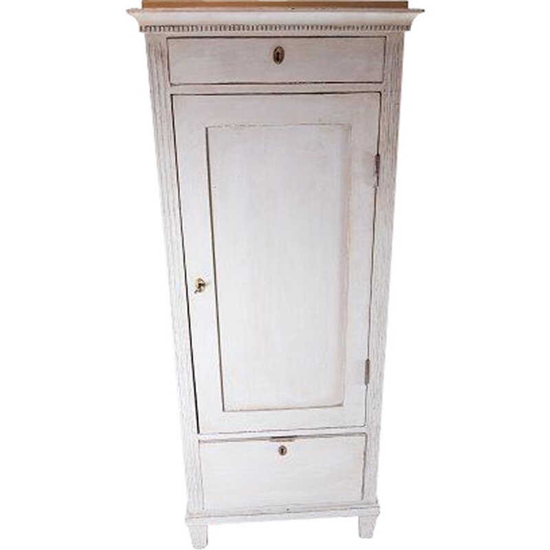 Vintage Grey painted gustavian tall cabinet, in great condition 1840s