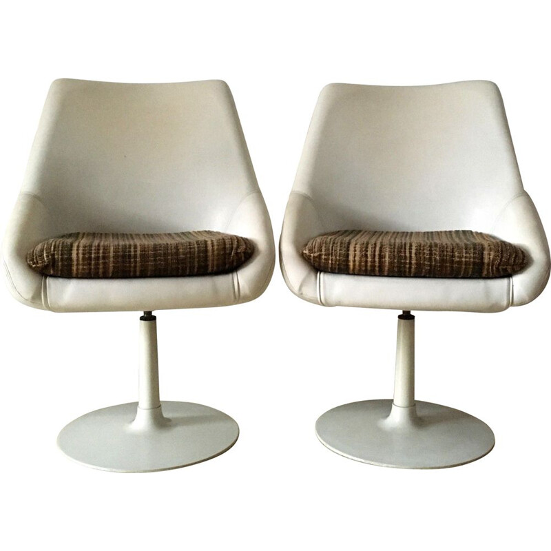 Pair of vintage armchairs with tulip foot 1970