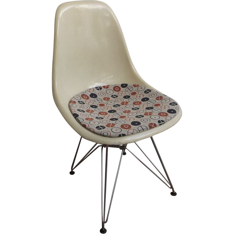 Vintage Eames DSR dining chair