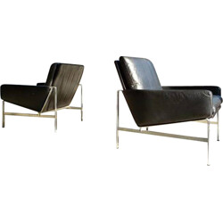 """Pair of Kill international """"FK 6720"""" easy chairs in leather, FABRICIUS & KASTHOLM - 1960s"""
