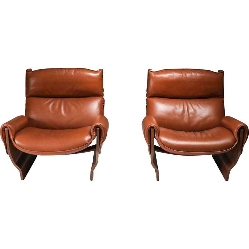 Pair of vintage Borsani Lounge Chairs in Cognac Leather 1960s