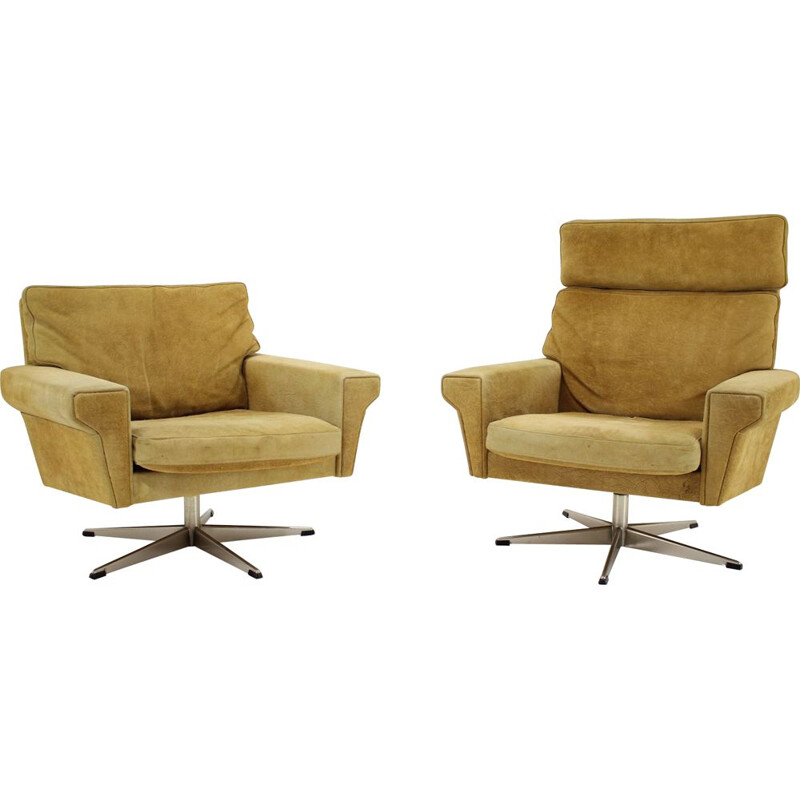 Pair of vintage Georg Thams Swivel Chairs Leather Denmark 1970s
