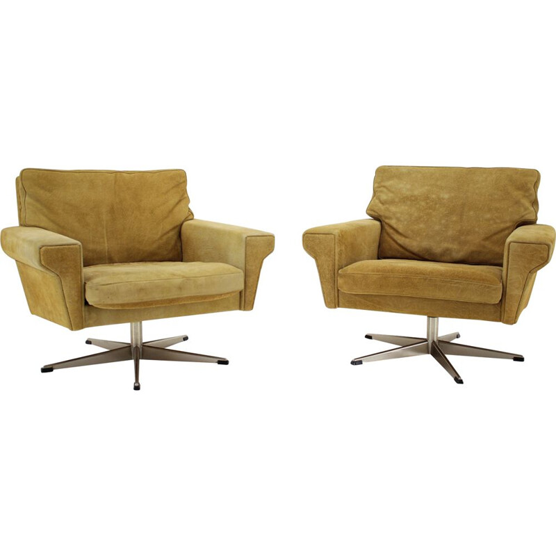 Pair of vintage Georg Thams Swivel Chairs in Leather Denmark 1970s