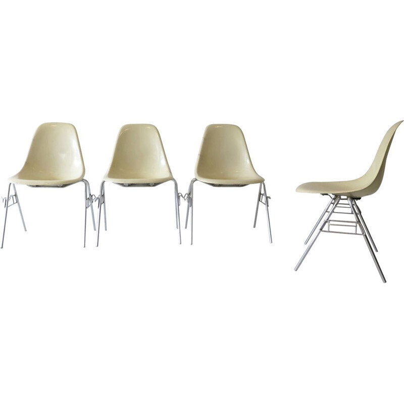 Set of 4 vintage Eames DCW fiberglass chairs