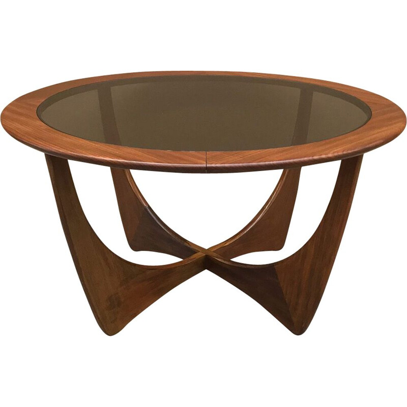 Vintage Round coffee table by Victor Wilkens for G-plan