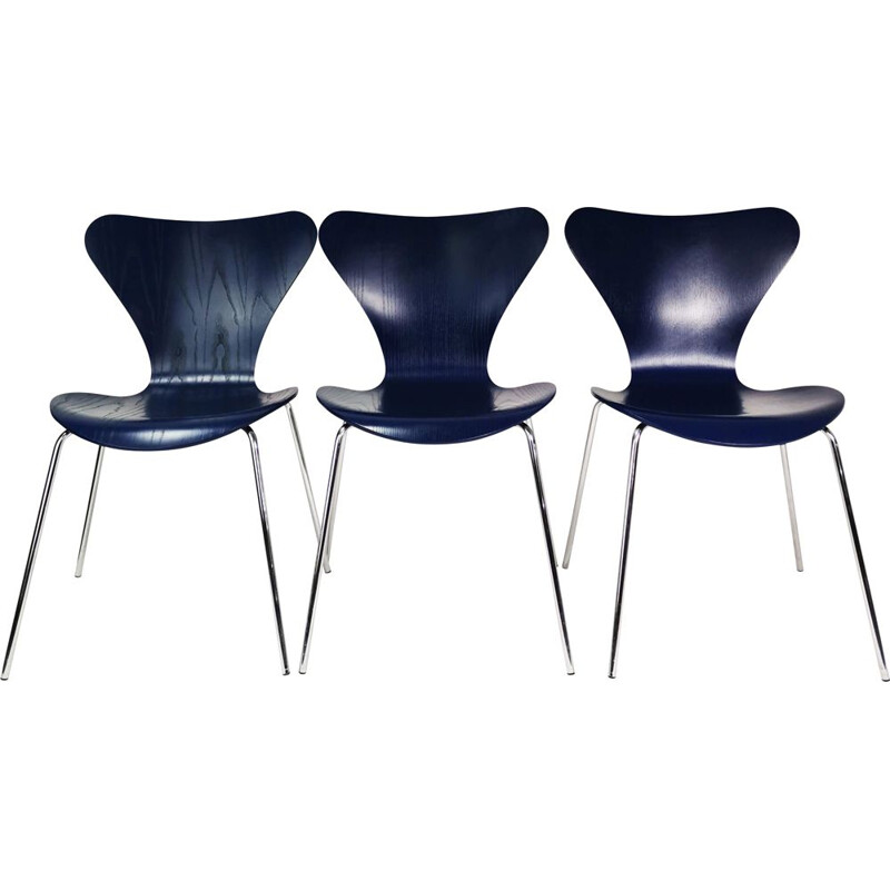 Set of 3 vintage chairs Fritz Hansen by A. Jacobsen Denmark 1990s