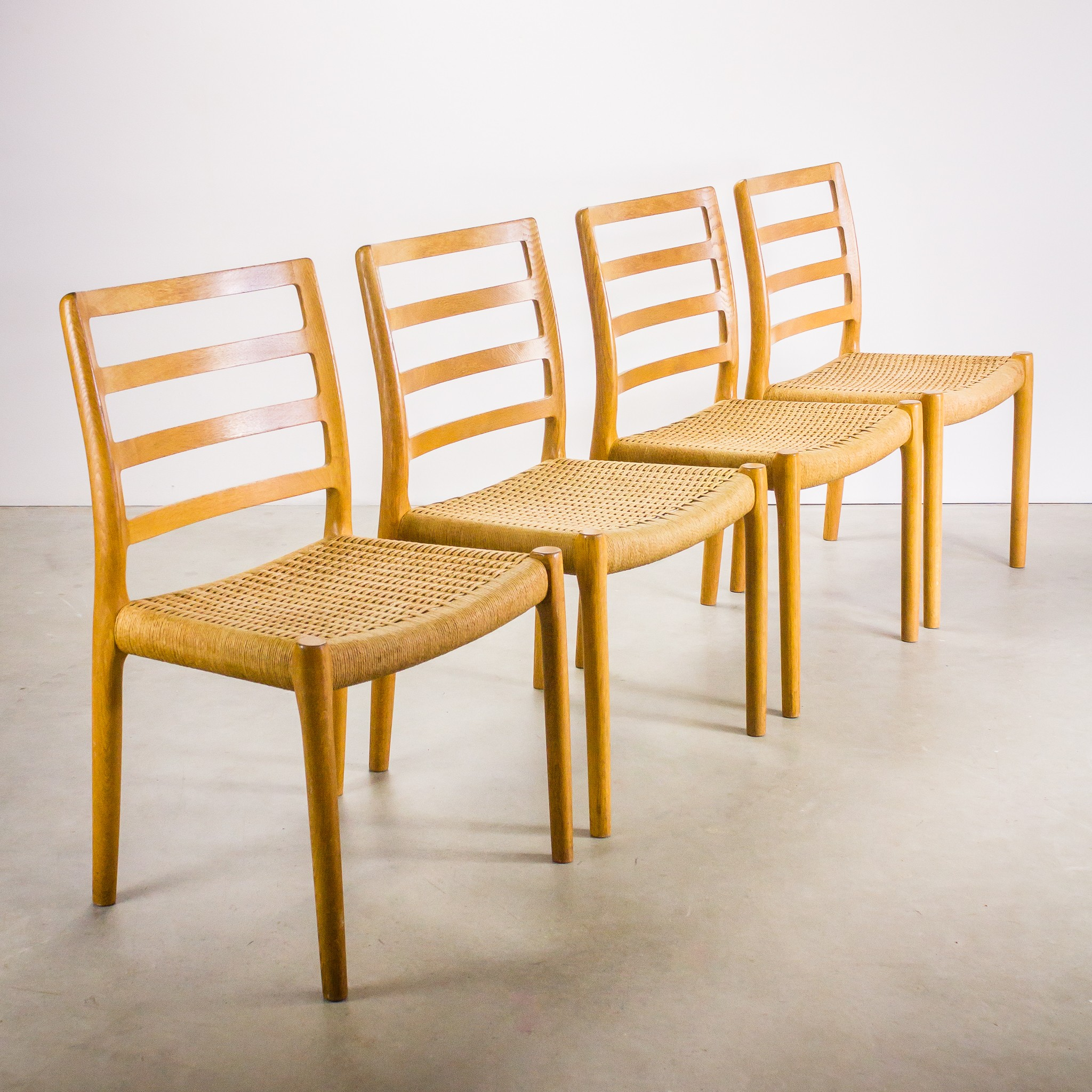 Chairs in birch wood with papercord seating previous next