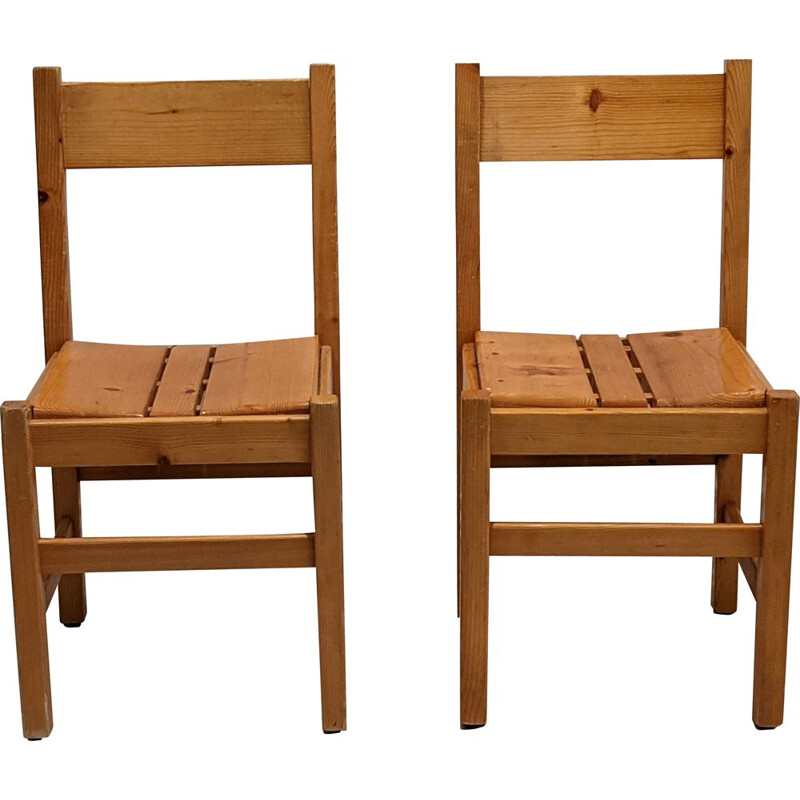 Pair of vintage chairs by Charlotte Perriand for Les Arcs