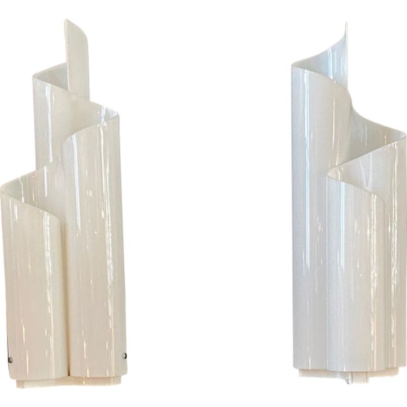 Pair of white vintage lamp by Vico Magistretti for Artemide 1969
