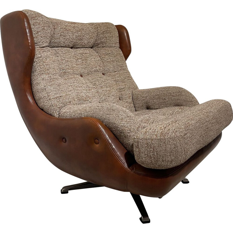 Mid century Wide Swivel Egg Armchair Danish 1970s
