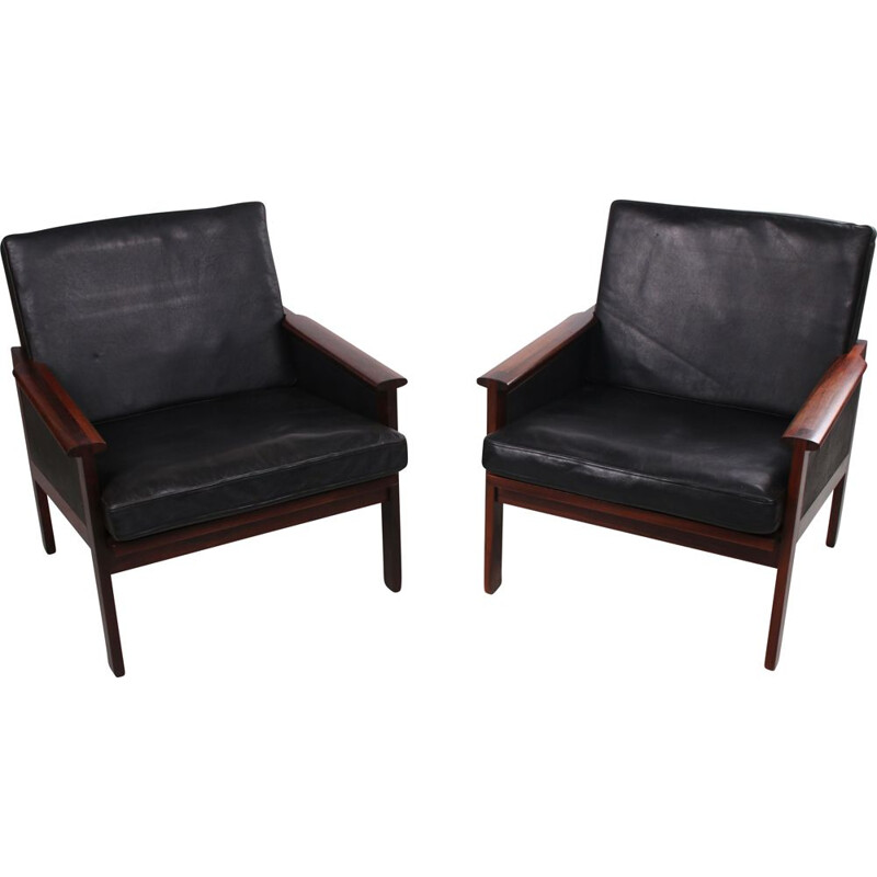 Pair of vintage Capella black leather armchairs by Illum Wikkelso 1958