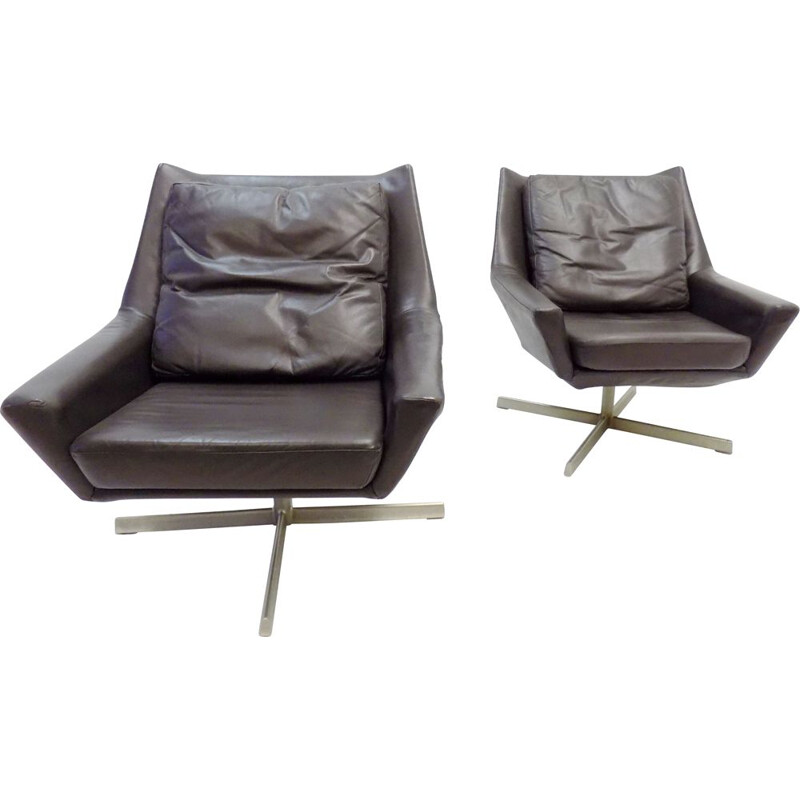 Pair of vintage brown leather lounge armchairs by W.Knoll 1960