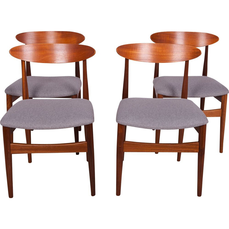 Set of 4 vintage chairs in Great Britain 1960