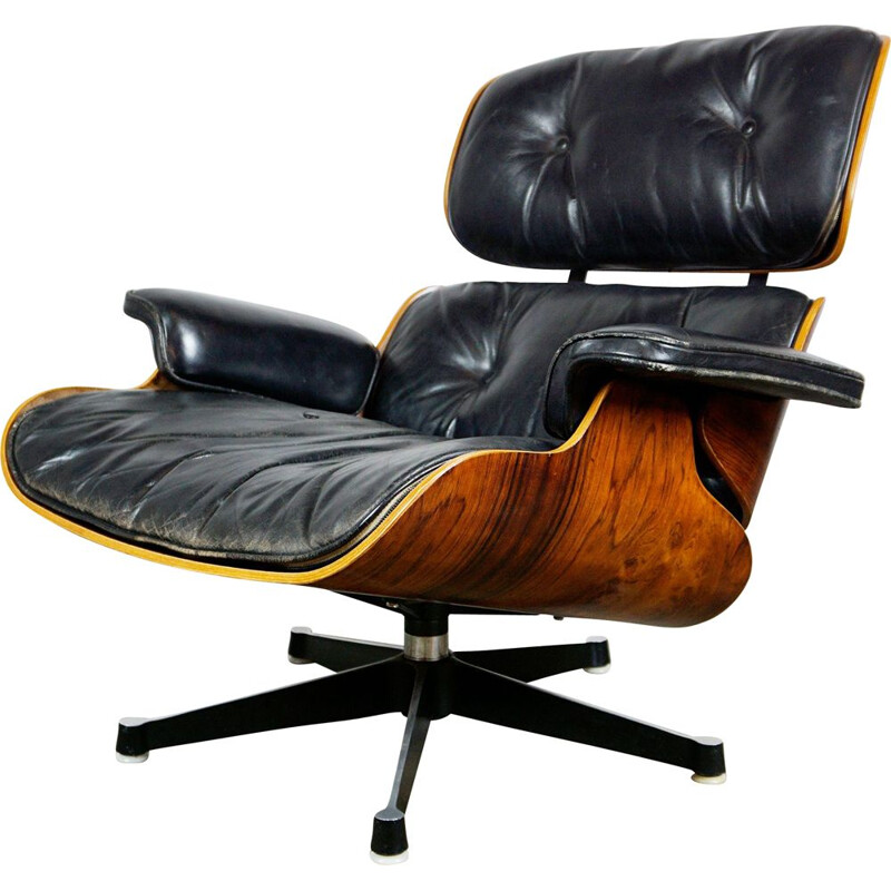 Vintage Eames Lounge Chair in Rosewood and black Leather 1960s