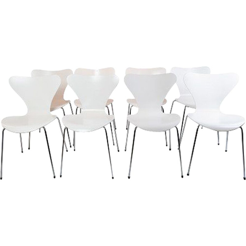Set of 8 vintage Seven chairs by Arne Jacobsen and Fritz Hansen 2020.