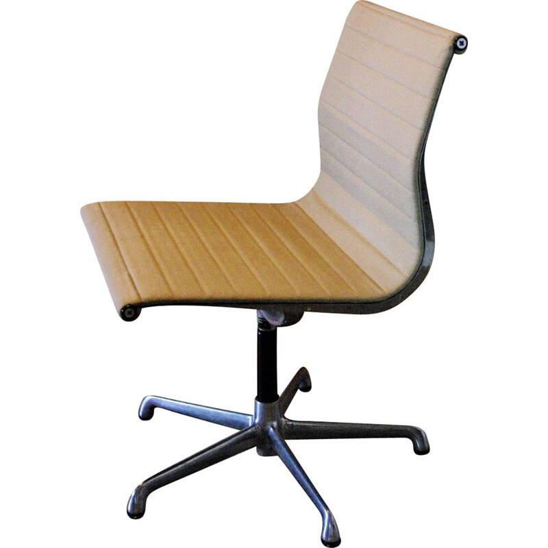 Vintage Charles & Ray Eames office chair Italy