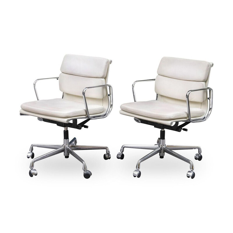 Pair of vintage Soft Pad white armchairs from Charles & Ray Eames