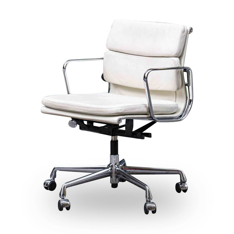 Vintage Soft Pad white armchair by Charles & Ray Eames