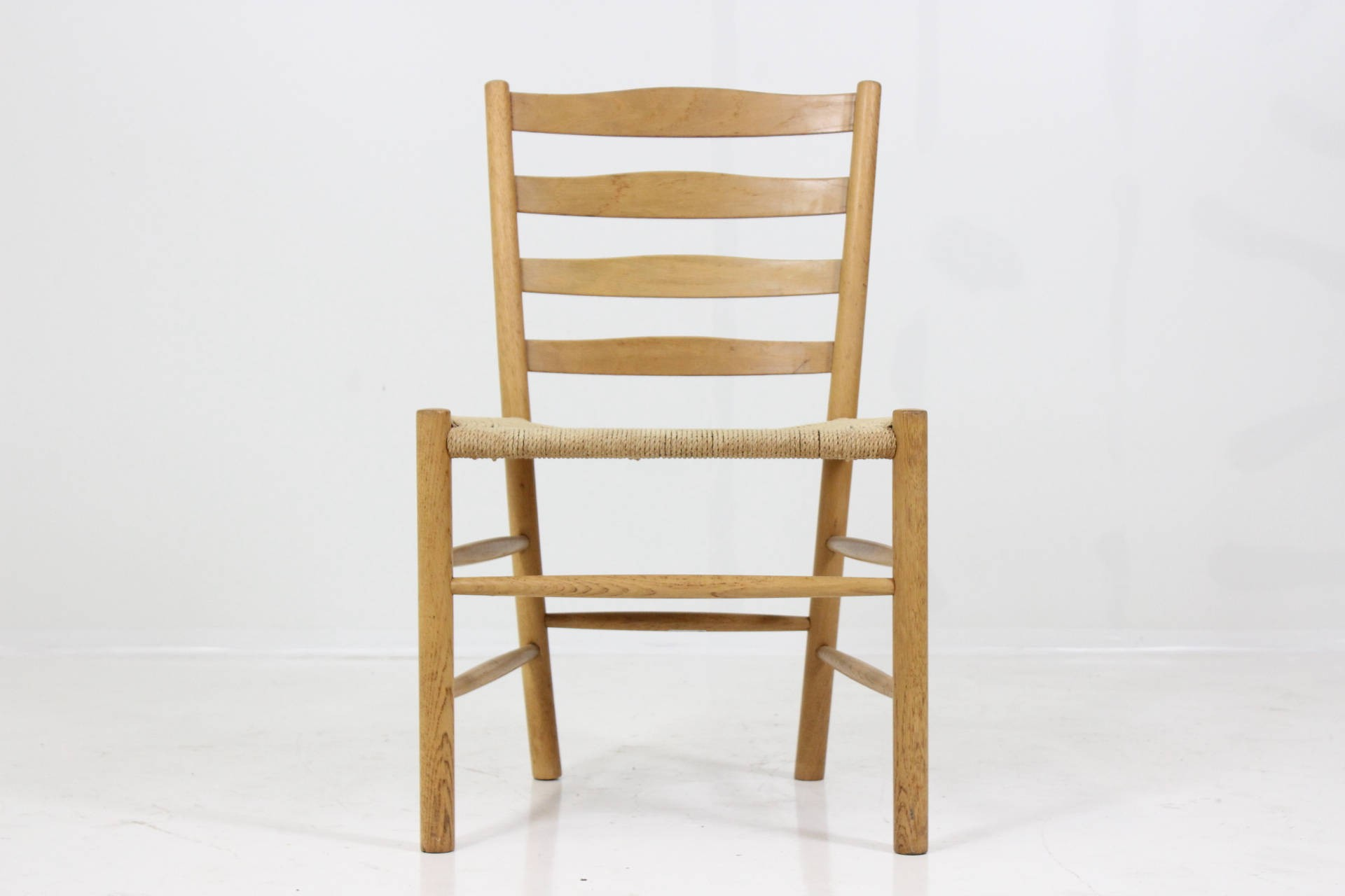 Set of 4 Church chairs in oakwood Kaare KLINT 1950s Design Market