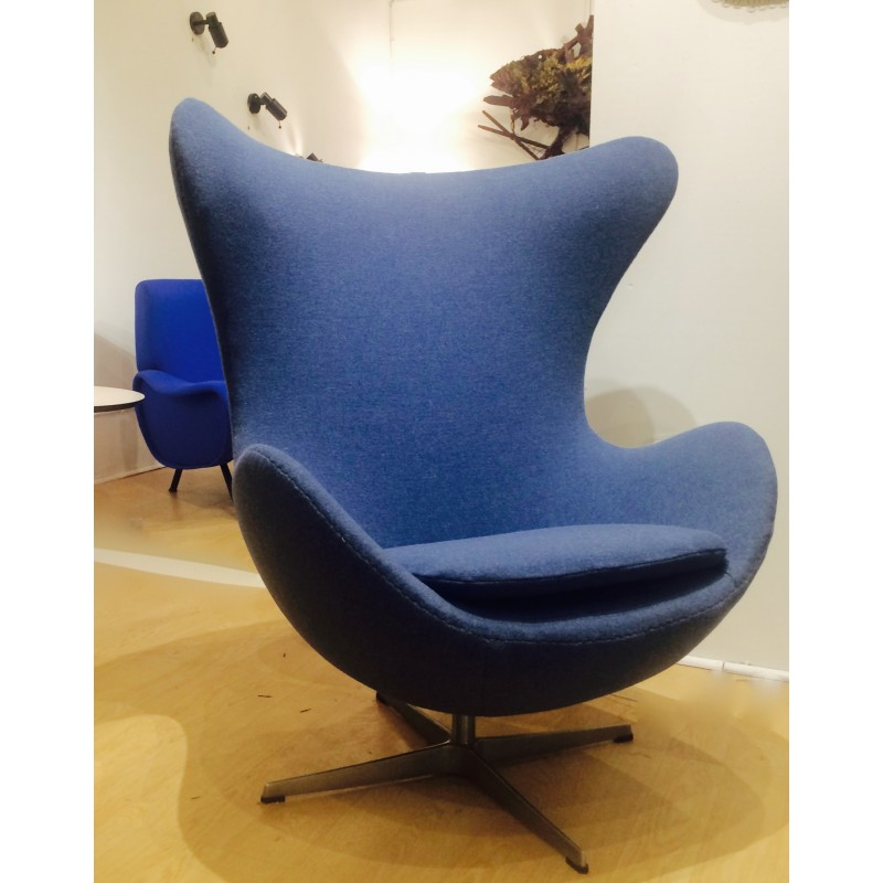 Fritz Hansen Egg Armchair In Blue Fabric Arne Jacobsen 1960s Design Market