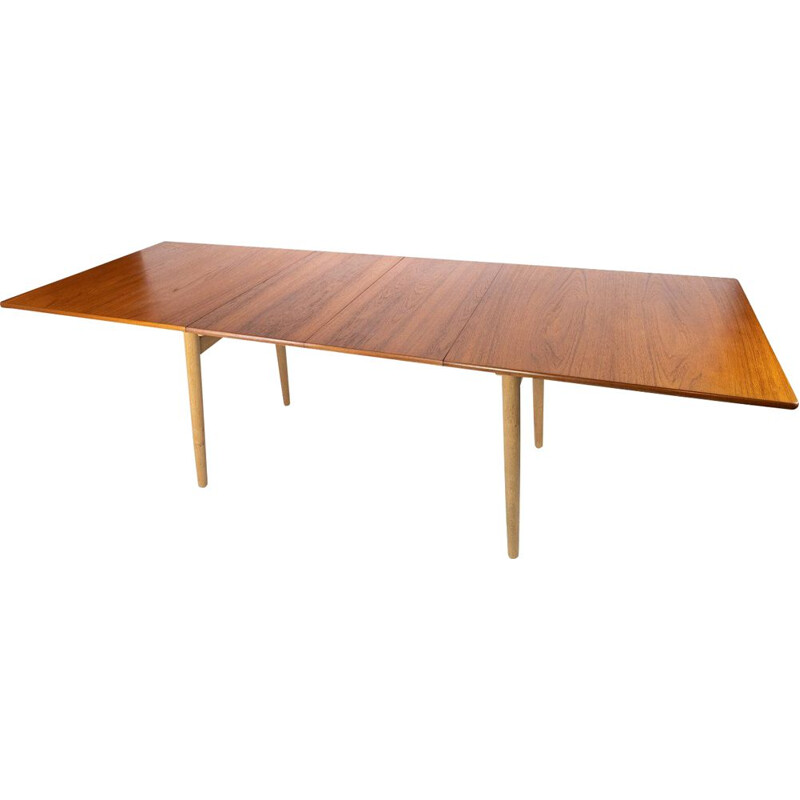 Vintage Dining table in teak and oak with extensions by Hans J. Wegner and Andreas Tuck
