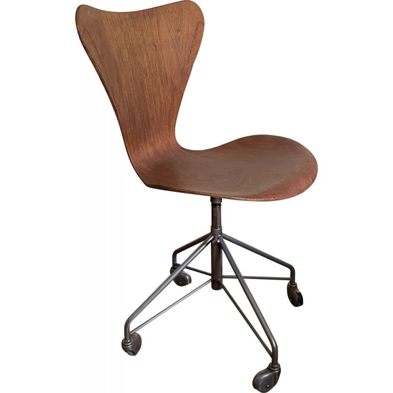 Vintage office chair series 7 or 3117 by Arne Jacobsen 1955s