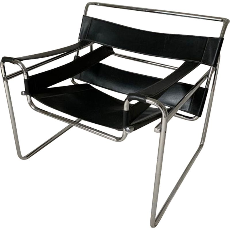Vintage armchair Wassily B3 in black leather by Marcel Breuer, Gavina Edition, Bauhaus 1970