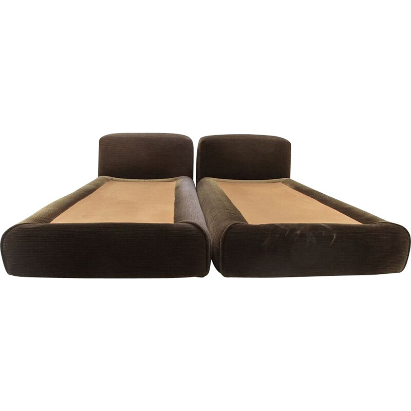 """Pair of vintage beds """"Le Mura"""" by Mario Bellini for Cassina 1970"""