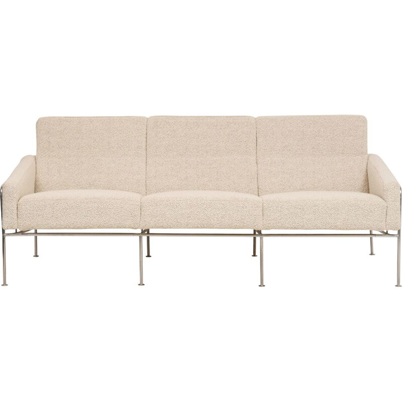 Vintage sofa series 3300 by Arne Jacobsen for Fritz Hansen 1957s