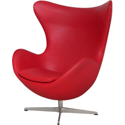 "Fritz Hansen ""Egg 3316"" armchair in red leather, Arne JACOBSEN - 2000s"