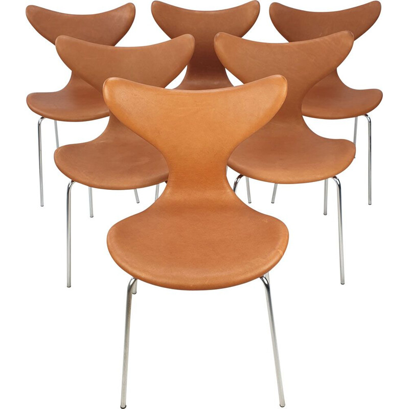Set of 6 vintage Lily Chairs by Arne Jacobsen for Fritz Hansen 1960s