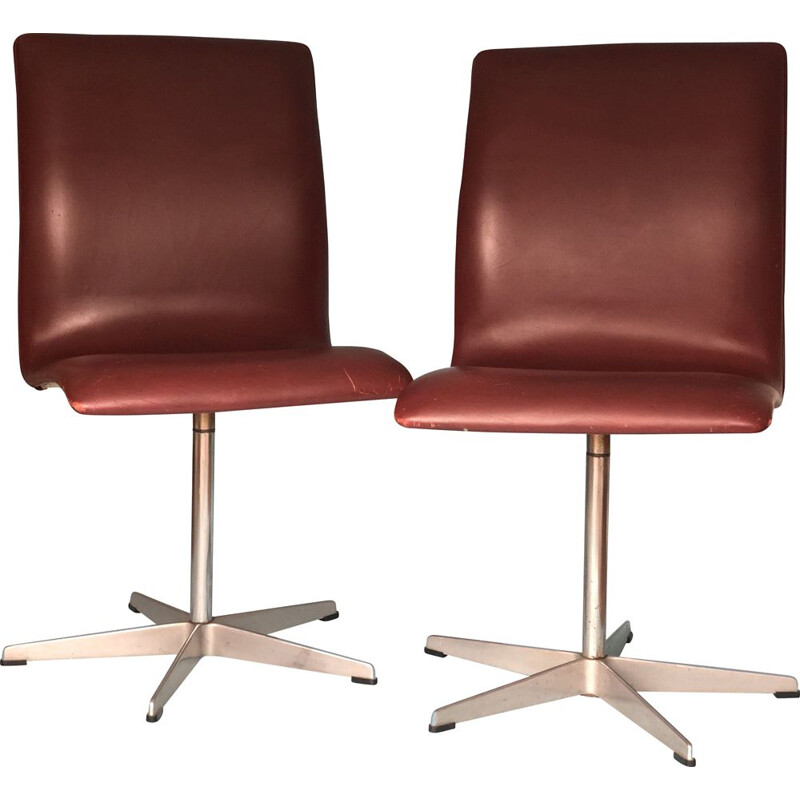 Pair of vintage Arne Jacobsen Leather Oxford Chair By Fritz Hansen 1960s