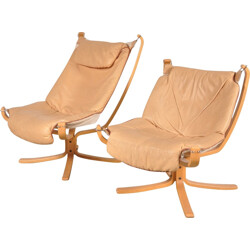 "Pair of Vatne Mobler ""Falcon"" armchairs in beige leather and wood, Sigurd RESSEL - 1960s"