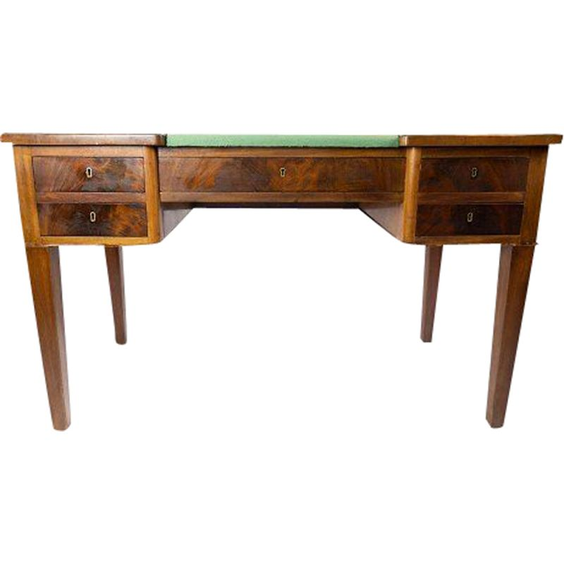 Vintage Desk in mahogany with green felt top and in great antique condition 1890s