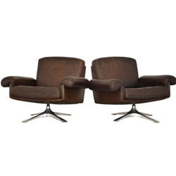"Pair of De Sede ""DS-31"" swivel armchairs in brown leather and aluminum - 1970s"