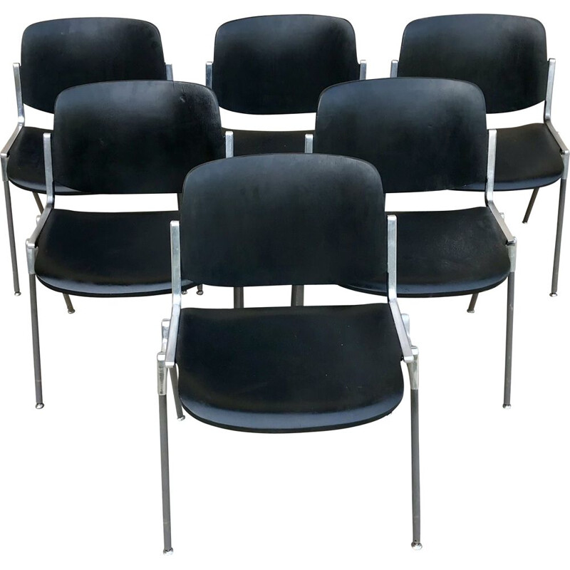 Suite of 6 vintage chairs by Giancarlo Piretti for Castelli, Italy 1960