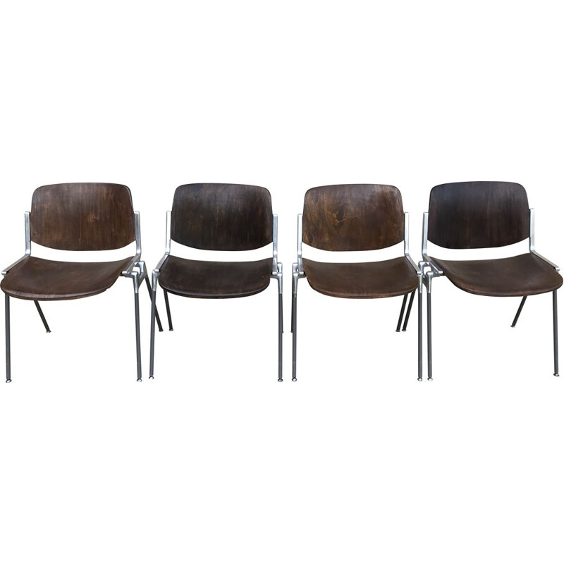 Set of 4 vintage chairs by Giancarlo Piretti for Castelli, Italy 1960s