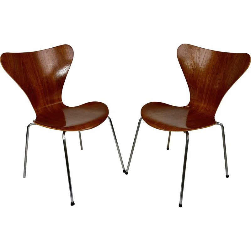 Pair of vintage teak chairs by Arn Jacobsen