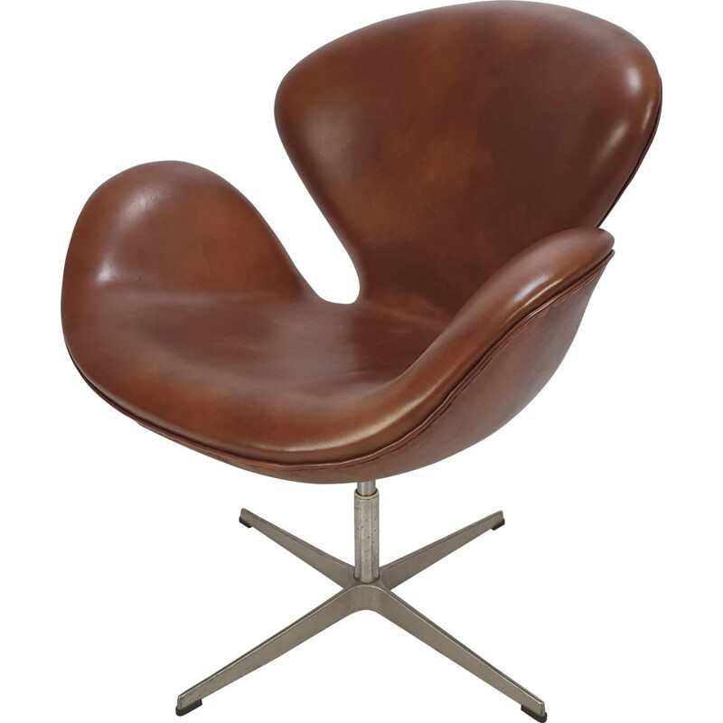 Vintage Swan Chair by Arne Jacobsen and Fritz Hansen 1980