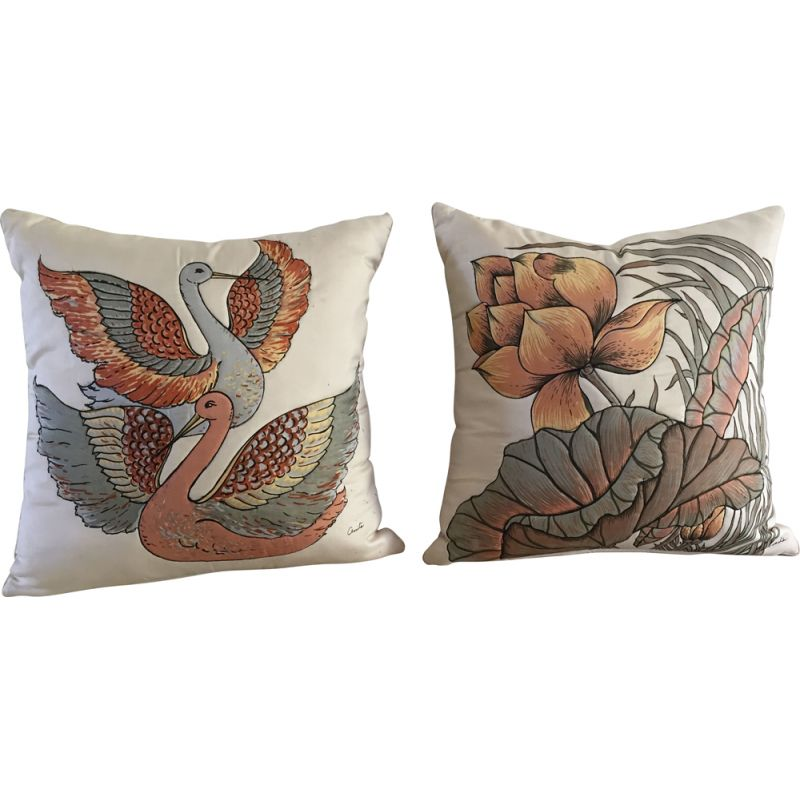 Pair of vintage cushions in pure silk