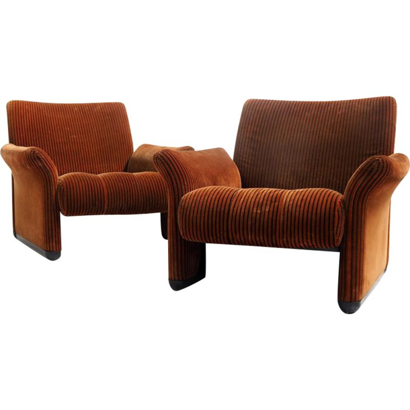 Set of vintage chairs by Vico Magistretti for C&B, Italia 1968s