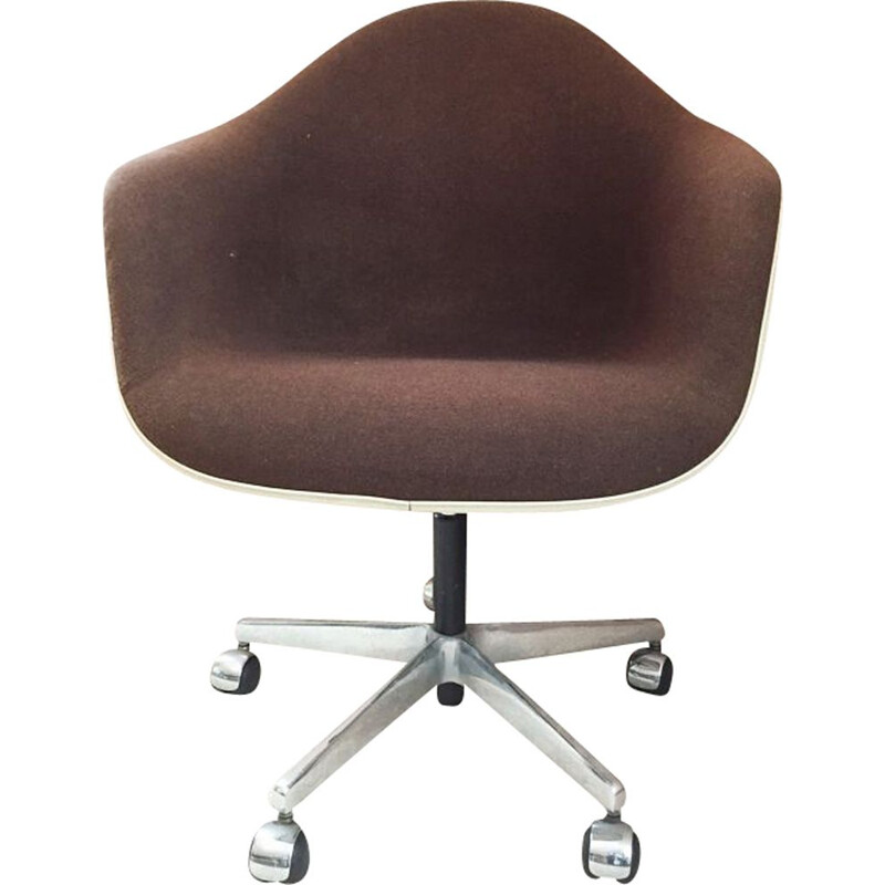 Vintage office chair by Charles Eames by Herman Miller for Vitra 1960