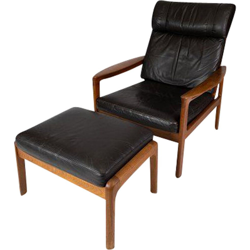 Vintage Easy chair with stool in teak upholstered with black leather by Arne Vodder & Komfort 1960s