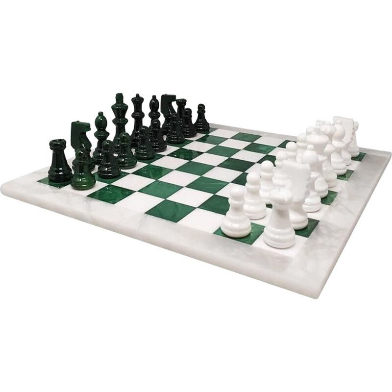 Vintage Green and White Chess Set in Volterra Alabaster Handmade, Italy 1670s