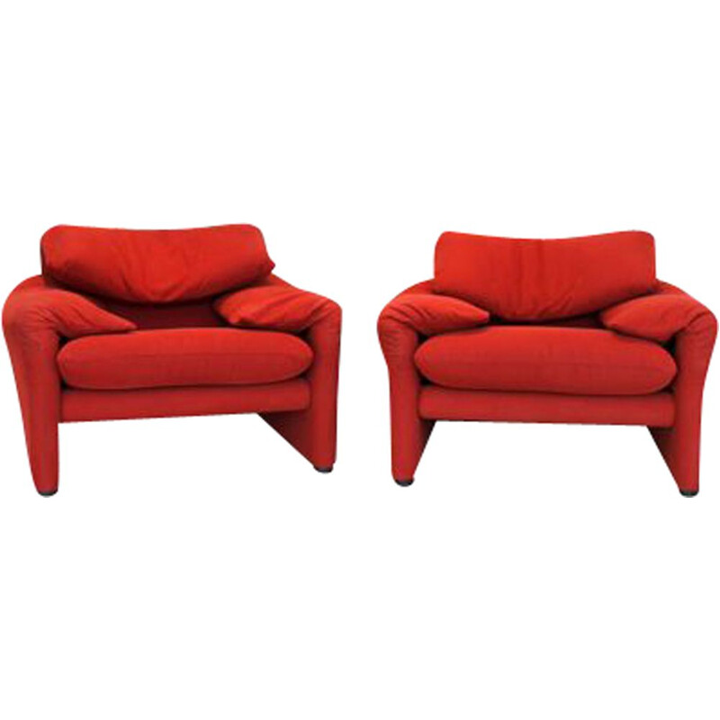 Pair of vintage Maralunga armchairs by Vico Magistretti for Cassina