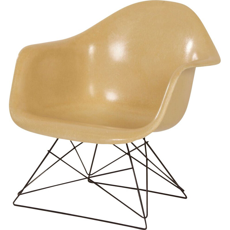Vintage LAR armchair by Charles and Ray Eames for Herman Mille 1970s